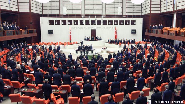 Türkiye'de muhalefet 'güçlendirilmiş parlamenter sistem' çalışıyor