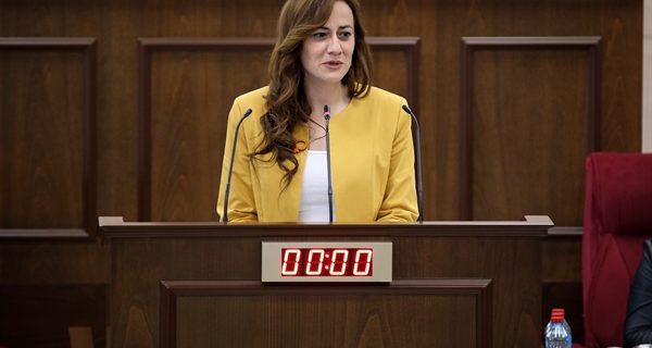 Kadın milletvekilleri kürsüde