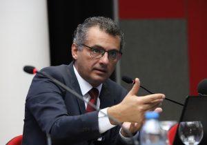 Erhürman'dan Tatar'a: Saygı Cenevre'de yitirildi