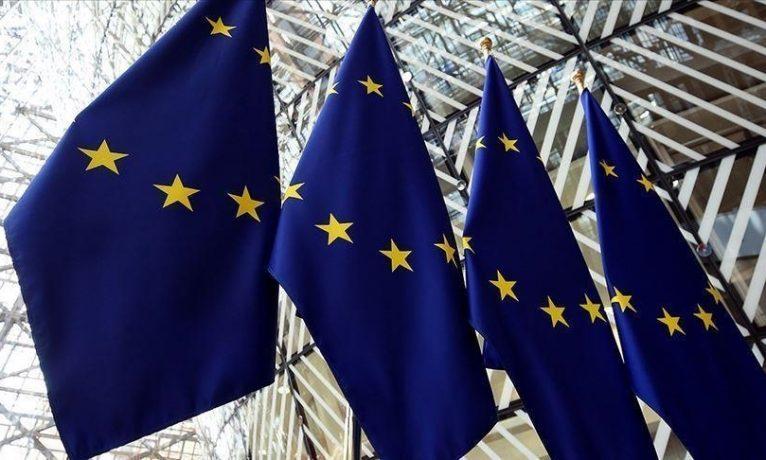 AB, Birleşik Krallık'a Brexit nedeniyle uygulanan gümrük kontrollerini azaltmayı teklif etti