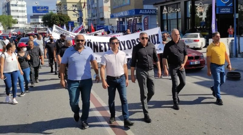Belediye emekçileri Meclis önünde eylem yaptı